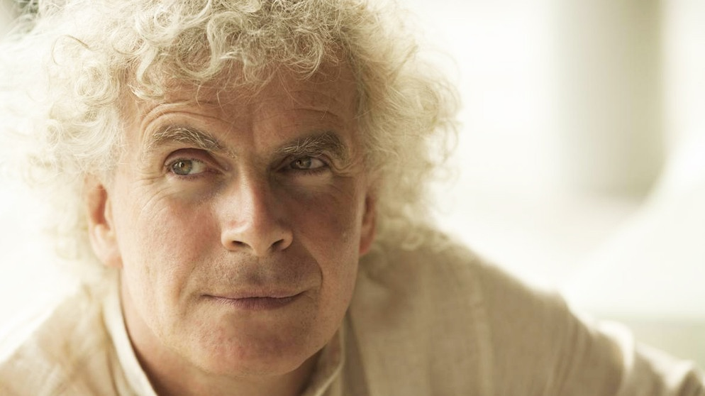 Sir Simon Rattle | Bild: Thomas Rabsch / Warner Classics