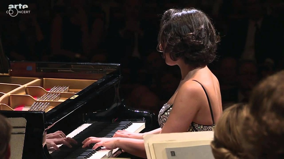 Khatia Buniatishvili - Chopin - Prelude No 4 in E minor, Op 28 | Bildquelle: Cantus 5 (via YouTube)
