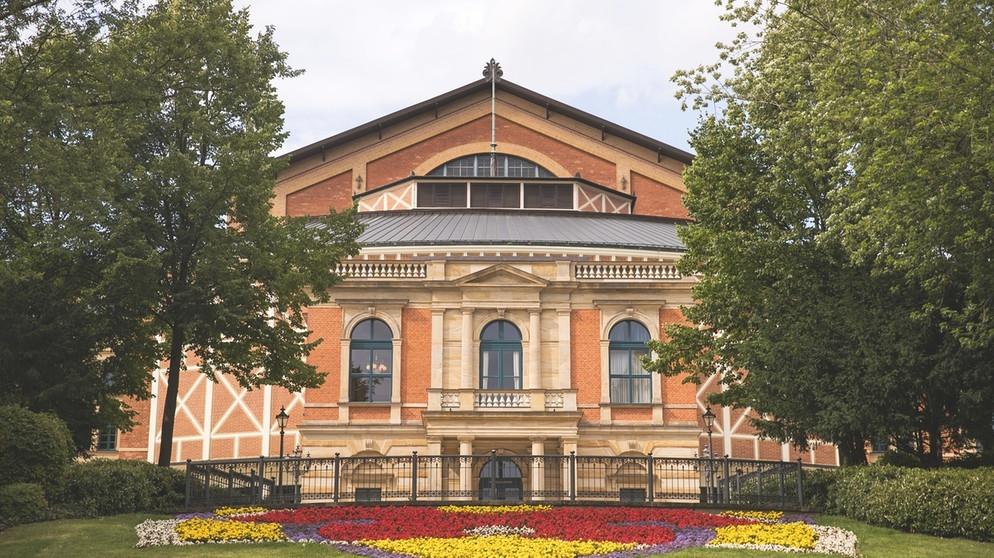Bayreuther Festspiele - Festspielhaus   Bildquelle: picture-alliance/dpa