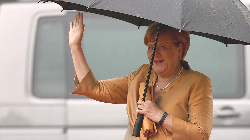 Grüner teppich br  Roter Teppich in Bayreuth: Kanzlerin, Königin, Ministerpräsident ...