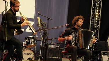 Émile Parisien (links) und Vincent Peirani bei einem Konzert beim Elbjazz Festival 2017 | Bild: Jazz Archiv