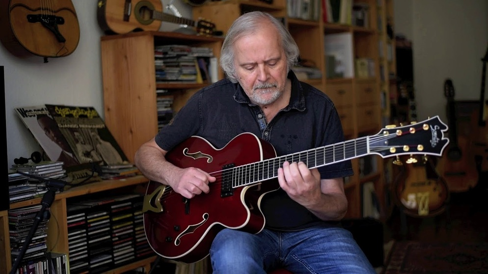 Solo Jazz Guitar - All of me - Helmut Nieberle | Bildquelle: sevenstring (via YouTube)
