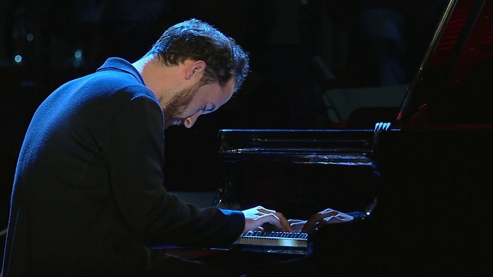 "Igor Levit - Beethoven: Piano Sonata No. 14, Op. 27 No. 2, ""Moonlight"" (Opus Klassik 2019) 