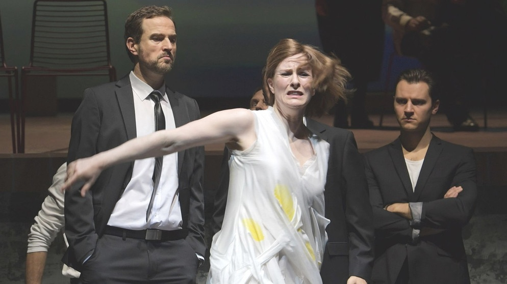 Paula Murrihy (Pénélope) und Ensemble | Bildquelle: Barbara Aumüller / Oper Frankfurt